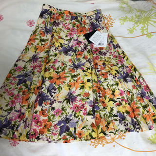 JUSGLITTY - 新品 お花柄スカート