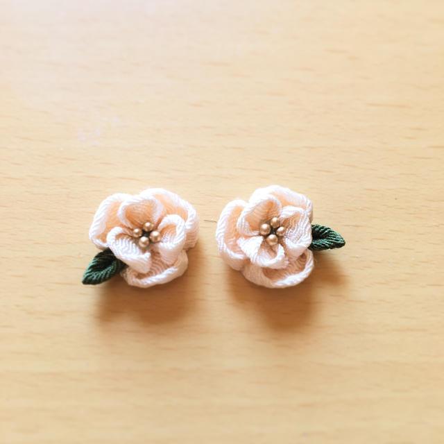白椿のピアス レディースの水着/浴衣(和装小物)の商品写真