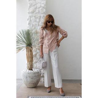 ルームサンマルロクコンテンポラリー(room306 CONTEMPORARY)のroom306 Wood Button Cotton V Shirt pink(シャツ/ブラウス(長袖/七分))