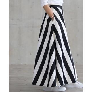 ドゥロワー(Drawer)のshe tokyo Jessica Stripe ストライプ スカート 白黒(ロングスカート)