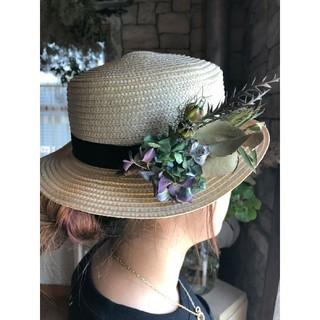 夏に向けてカンカン帽にドライフラワーアレンジ。ドライフラワースワッグ。。○(ドライフラワー)