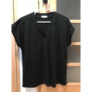 アオヤマ(青山)の黒 カットソー ブラウス 半袖(シャツ/ブラウス(半袖/袖なし))
