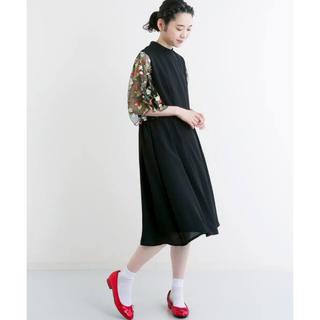 merlot - メルロープリュス 花刺繍ワンピース 美品