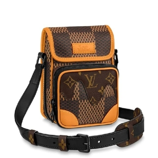 ルイヴィトン(LOUIS VUITTON)のlouis vuitton x nigo AMAZONE MESSENGER(メッセンジャーバッグ)