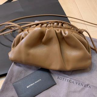 ボッテガヴェネタ(Bottega Veneta)のBOTTEGA VENETA ミニ ザ ポーチ キャメル(ショルダーバッグ)