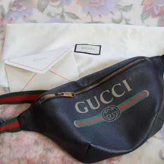 グッチ(Gucci)のGUCCI 肩掛けバッグ (ボディーバッグ)