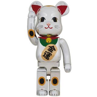 メディコムトイ(MEDICOM TOY)の【翌日発送】 BE@RBRICK 招き猫 銀メッキ 弐 1000%(その他)