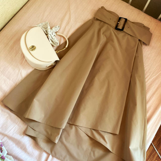31 Sons de mode(トランテアンソンドゥモード)の新品未使用タグ付き 今期新作 キャメルスカート レディースのスカート(ひざ丈スカート)の商品写真