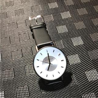 ダニエルウェリントン(Daniel Wellington)のklasse14 42㎜ ホワイトメンズレディース 即購入ok(腕時計(アナログ))