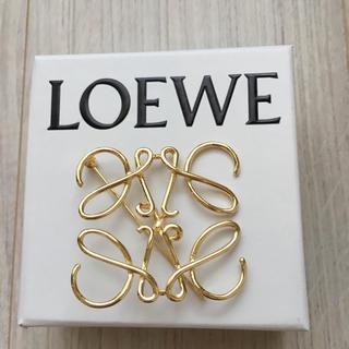 ロエベ(LOEWE)のLOEWEゴールドブローチ お値下げしました❣️(ブローチ/コサージュ)