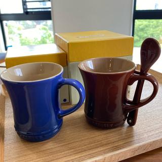 ルクルーゼ(LE CREUSET)のル・クルーゼ マグカップ  2個セット スプーン付き(食器)