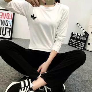 アディダス(adidas)の2点Adidas(Tシャツ+パンツ)(Tシャツ(長袖/七分))