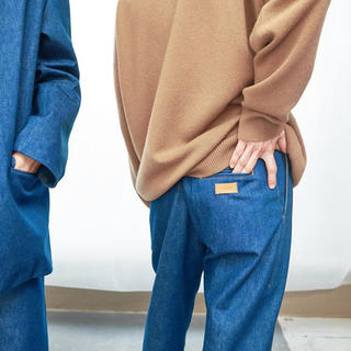 ワンエルディーケーセレクト(1LDK SELECT)のCristaSeya Pleated Trousers (デニム/ジーンズ)