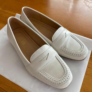 プールサイド(POOL SIDE)の【未使用】ローファー アイボリー(ローファー/革靴)