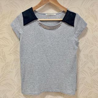 ルカ(LUCA)のLUCA ビジューアクセサリー付 Tシャツ(Tシャツ(半袖/袖なし))