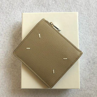 マルタンマルジェラ(Maison Martin Margiela)のメゾンマルジェラ コンパクト二つ折り財布 ベージュ(折り財布)