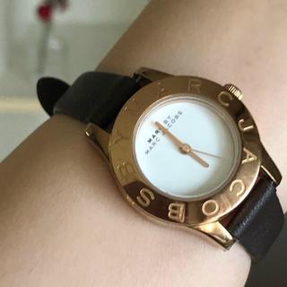 マークバイマークジェイコブス(MARC BY MARC JACOBS)のマークバイマークジェイコブス腕時計 美品  新品ベルト 稼働中(腕時計)