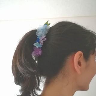 送料無料☆ラッピング無料☆紫陽花のバナナクリップ blue リボンフラワー(ヘアアクセサリー)