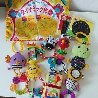 サッシー(Sassy)の赤ちゃんおもちゃ10種セット(がらがら/ラトル)