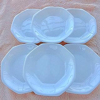ヤマザキセイパン(山崎製パン)のヤマザキ☆ 白い八角形プレート(食器)