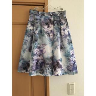 ジャスグリッティー(JUSGLITTY)のジャスグリッティー 花柄スカート ブルー系(ひざ丈スカート)