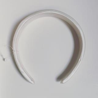 カスタネ(Kastane)の新品未使用 クッション カチューシャ アイボリー(カチューシャ)