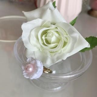 つまみ細工 お花のピンキーリング(白)(リング)