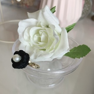 つまみ細工 お花のピンキーリング(黒)(リング)