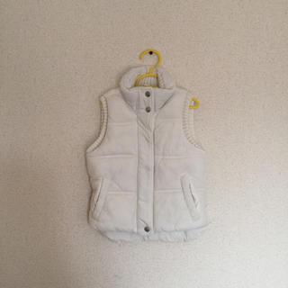 ザラキッズ(ZARA KIDS)の美品ZARAザラキッズダウンベスト白110防寒チョッキ(ジャケット/上着)