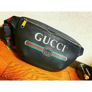 グッチ(Gucci)のグッチヴィンテージロゴプリントレザーベルトバッグ(ボディーバッグ)