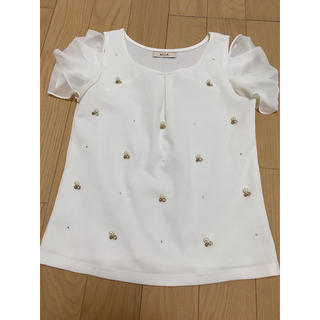 ミーア(MIIA)のMIIA  ビジュートップス  オフホワイト(カットソー(半袖/袖なし))