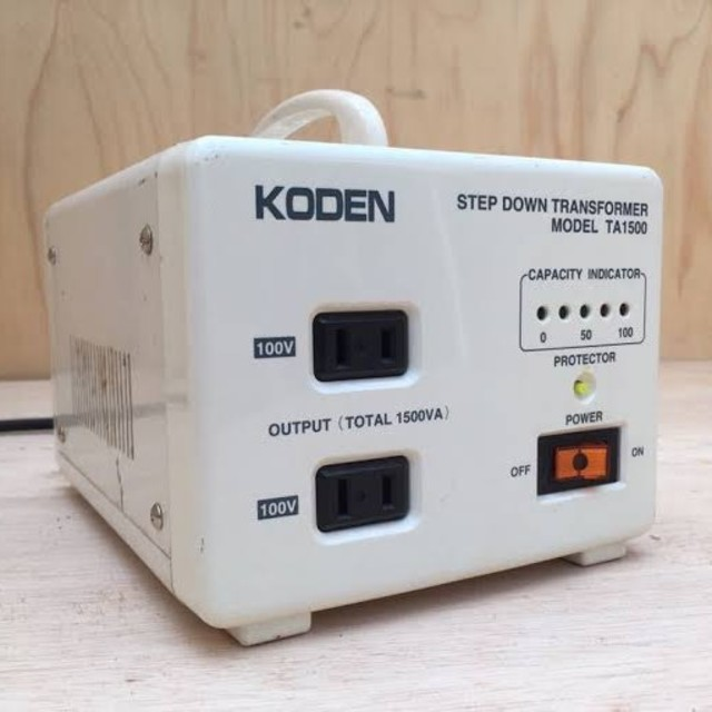 変圧器1500W 日本製  KODEN TA 1500 スマホ/家電/カメラの生活家電(変圧器/アダプター)の商品写真