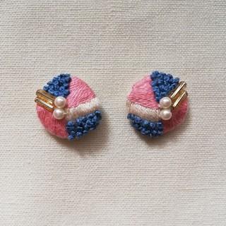 刺繍ピアス リーフ ピンク、ブルー(ピアス)