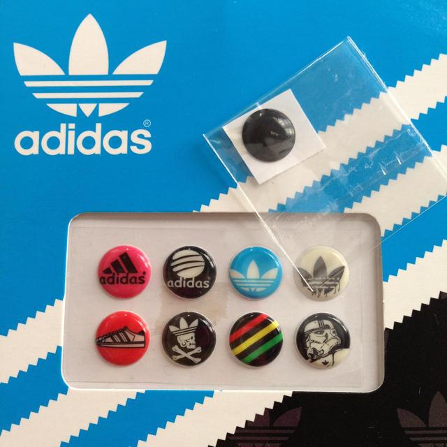 adidas(アディダス)のiPhoneホームボタン その他のその他(その他)の商品写真