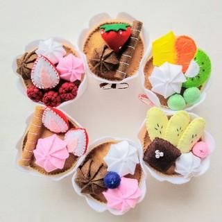 セール☆フェルトおままごと☆フルーツカップケーキ(その他)