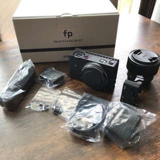 シグマ(SIGMA)のSIGMA fp 45mm F2.8 DG DN レンズキット(デジタル一眼)