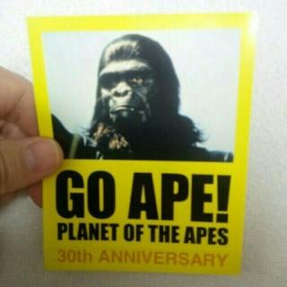 アベイシングエイプ(A BATHING APE)の値下【非売品】猿の惑星 GO APE! 30th ANNIVERSARY シール(ステッカー)