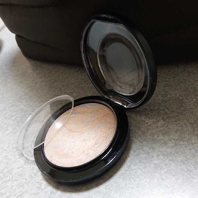 MAC(マック)のMAC  ライトスカペードフェースパウダー コスメ/美容のベースメイク/化粧品(コントロールカラー)の商品写真