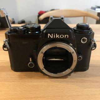 ニコン(Nikon)の【美品】ニコンFE ブラック フィルム一眼 ボディ(フィルムカメラ)