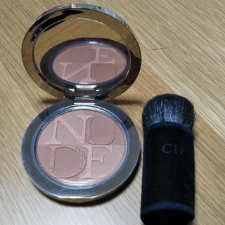 クリスチャンディオール(Christian Dior)の【新品・未使用・傷等有】Dior skin nude tan 002(フェイスパウダー)