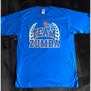 ズンバ(Zumba)のZUMBATシャツ 新品です(トレーニング用品)