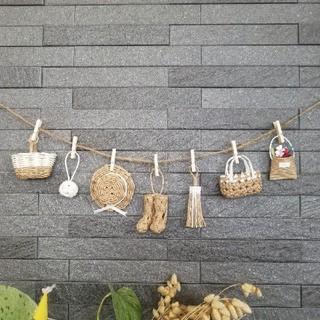 白★ミニチュアカゴや帽子のガーランド エコクラフト 壁飾り 紙バンド(バスケット/かご)