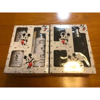 ディズニー(Disney)の【新品未使用品//送料込み】ミッキーステンレスコップ2個+水筒 黒白2セット!(弁当用品)