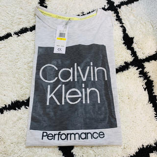 カルバンクライン(Calvin Klein)のカルバン・クライン Tシャツ❤︎Mサイズ 新品タグ付き(Tシャツ(半袖/袖なし))