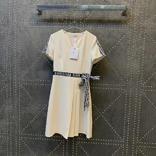 クリスチャンディオール(Christian Dior)のクリスチャンディオール ワンピース(ひざ丈ワンピース)