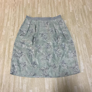 デビュードフィオレ(Debut de Fiore)のデビュードフィオレ 花柄スカート(ひざ丈スカート)