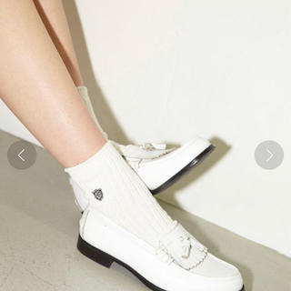 マウジー(moussy)のmoussy✖️ハルタ ローファー ホワイト(ローファー/革靴)