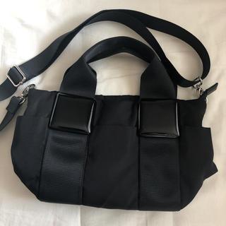 パピヨネ(PAPILLONNER)のスクエア樹脂パーツトート shopping (black)(トートバッグ)