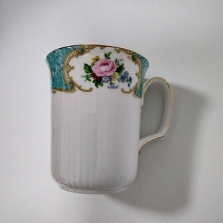 ロイヤルアルバート(ROYAL ALBERT)のロイヤルアルバート ボーンチャイナ マグカップ(グラス/カップ)