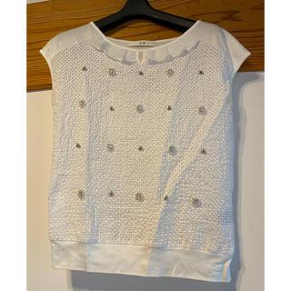 エフデ(ef-de)のエフデ 白色ビジュートップス(Tシャツ(半袖/袖なし))